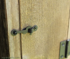 Outhouse Birdhouse Door Latch
