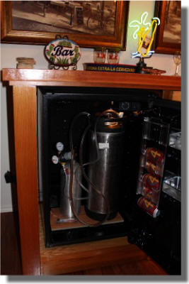 Sanyo Refrigerator with Keg and CO2 Tank